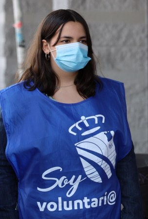 Voluntarios universitarios informarán a pie de las islas ecológicas sobre el tratamiento de mascarillas o guantes