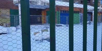 Operativo para limpiar de nieve y hielo 51 centros educativos de la ciudad