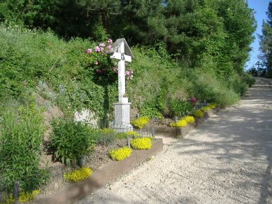 Sentiero con le 14 stazioni della Via Crucis