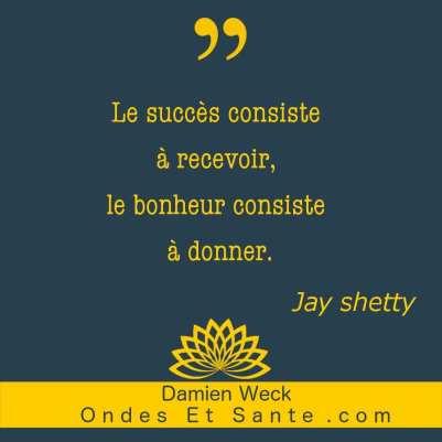 Les meilleures citations de Jay Shetty pour retrouver confiance, motivation et sérénité. Pour des relations et des émotions harmonieuses.