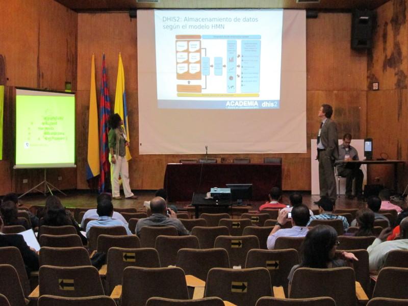 Conferencia en Academia DHIS