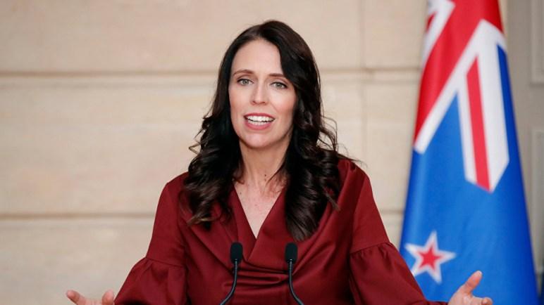 رئيسة وزراء نيوزيلندا: حظر حيازة البنادق نصف الآلية والهجومية في البلاد