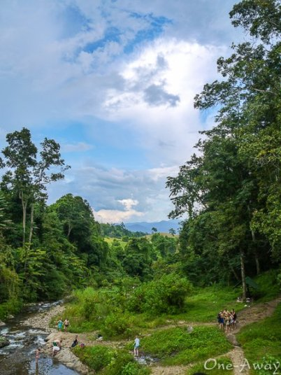 A view into the valley from Mor Paeng Falls