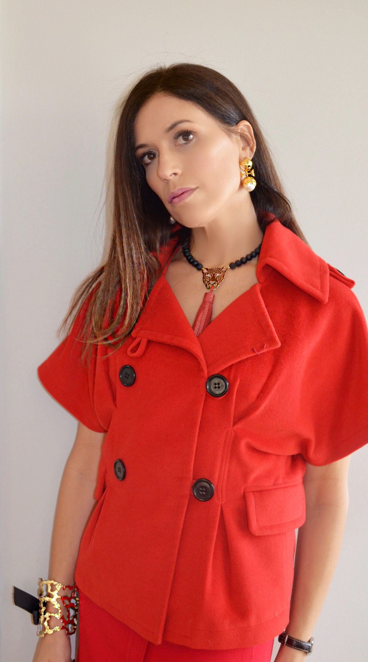 red–outfit-gold–plated–jewelry