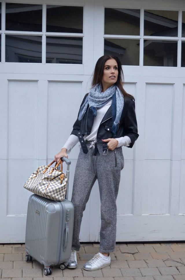 joggers–travel–fashion