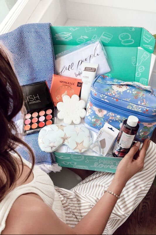 """Fabfitfun: how to buy  """"Must  have"""" beauty products for cheap"""