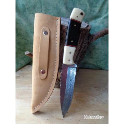 poignard bowie couteau de chasse damas lame 256 couches manche os corne fabric artisanal etui