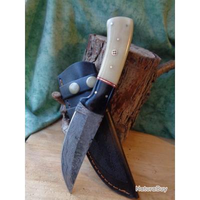poignard bowie couteau de chasse damas lame 256 couches bowie manche os corne fab artisan