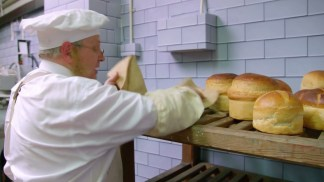 victorian.bakers.s01e03.720p.hdtv.x264-c4tv.mkv_snapshot_28.21_[2016.01.21_17.12.40]