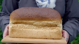 victorian.bakers.s01e03.720p.hdtv.x264-c4tv.mkv_snapshot_38.43_[2016.01.21_17.24.52]