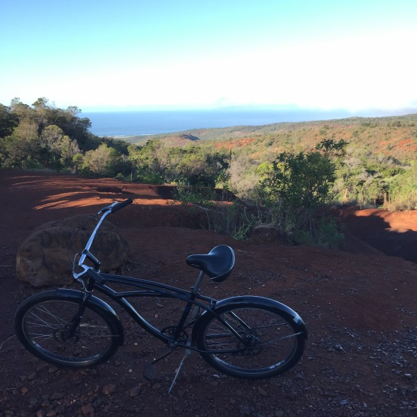Cycling Waimea Canyon Bay