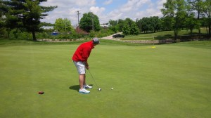 We didn't have much trouble hitting GG's gigantic greens, but I don't know that we made a putt outside 12 feet all day.