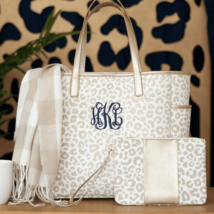 travel gift - monogrammed cute weekender bag