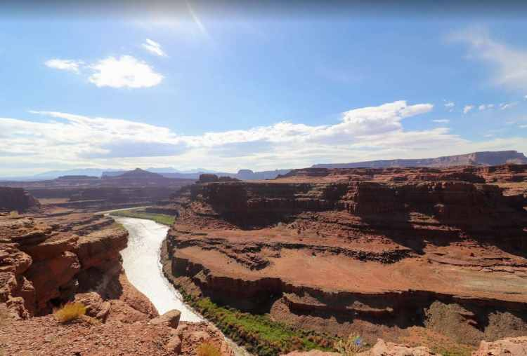thelma and louise point in canyonlands
