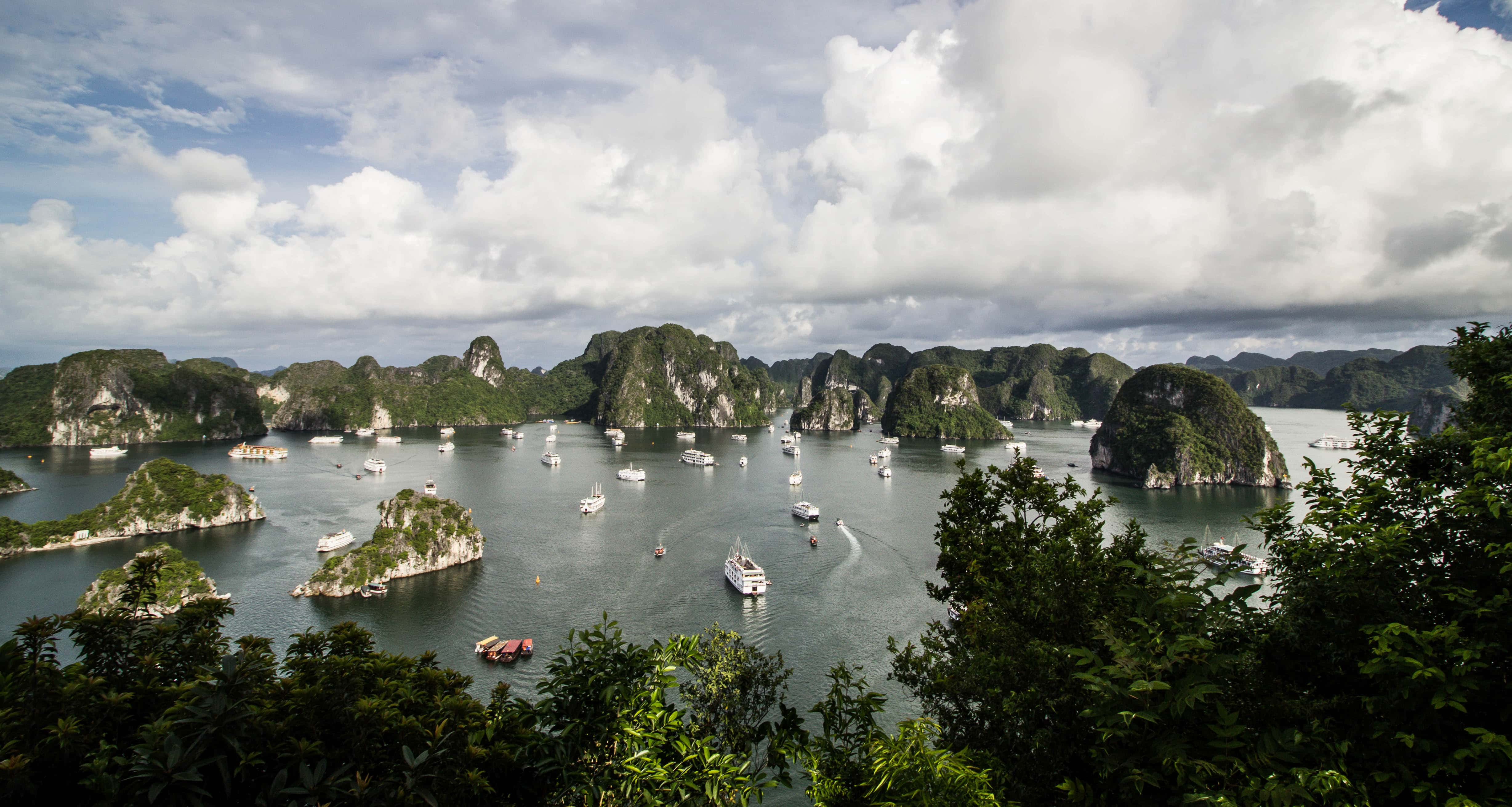 17 Amazing Photos That Will Make You Want To Visit Halong Bay NOW