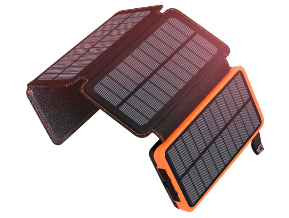 gifts for travelers: solar power phone charger