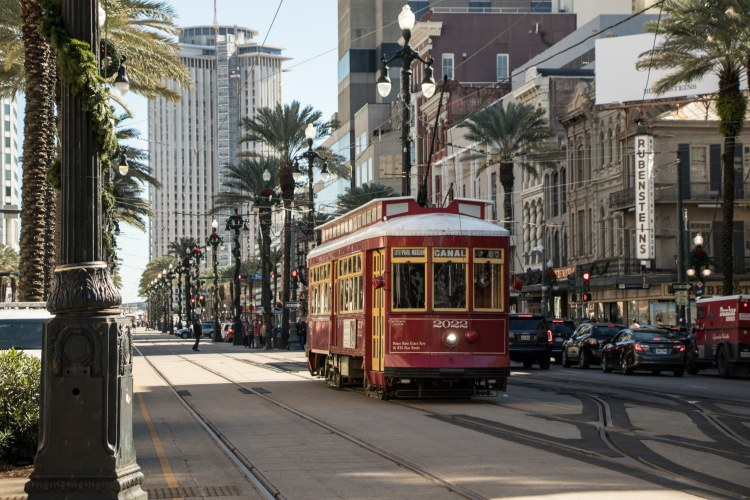 The Best 48 Hour New Orleans Itinerary: How to Spend a Weekend in NOLA - Streetcars
