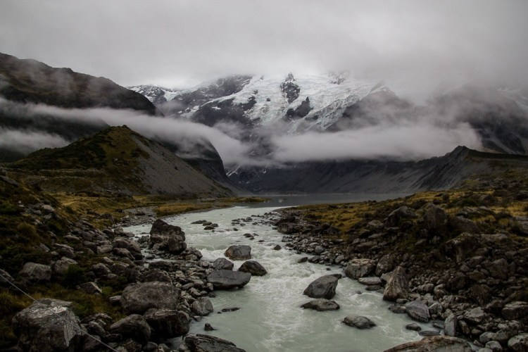 Hooker Valley trail in New Zealand