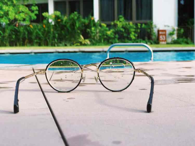 Why LASIK is Great for Travelers - Swimming