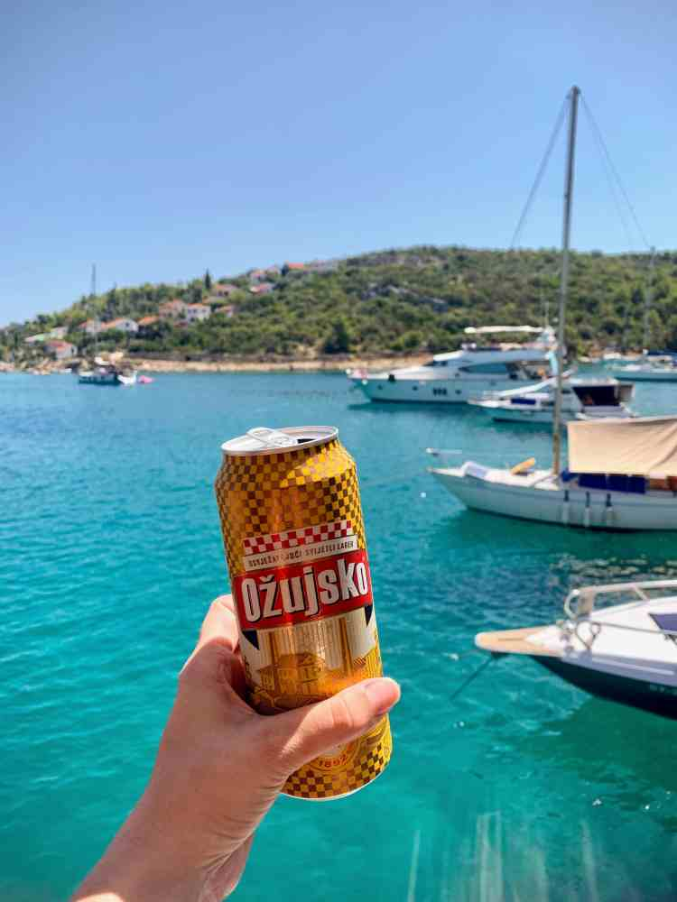 Beer on board Split sailing tour