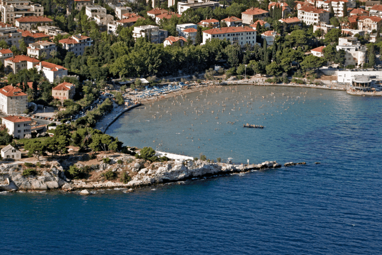 things to do in split - Bacvice beach