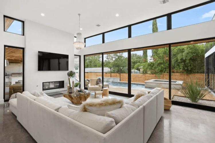 Coolest Modern Austin airbnbs