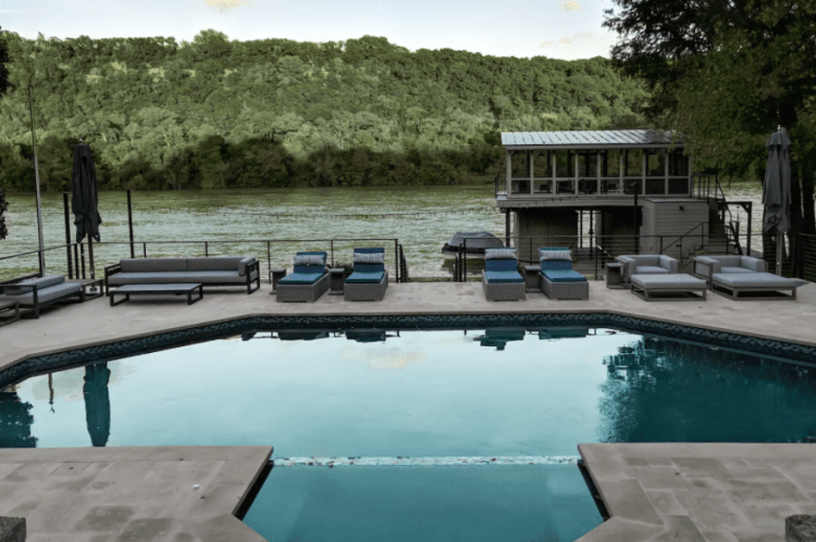 Places to Stay for a Bachelorette Party on Lake Austin