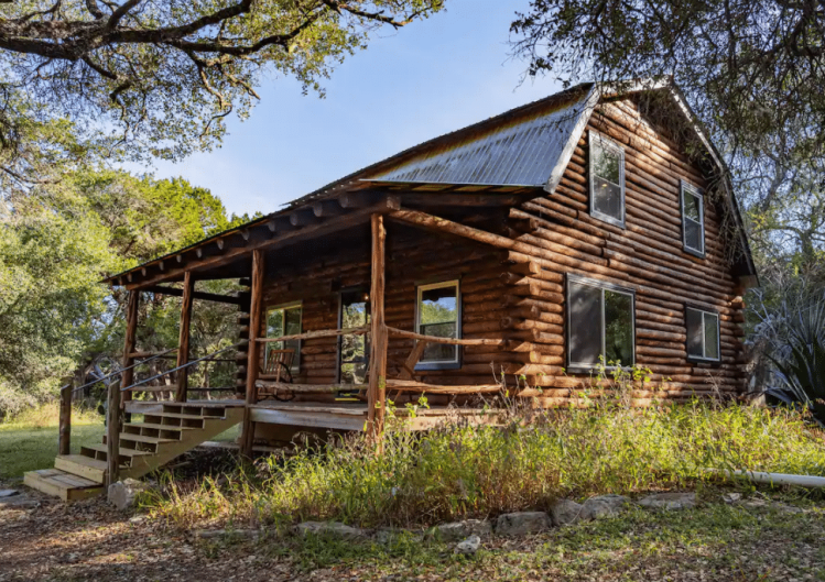 Luxury Cabin Rentals in Texas​