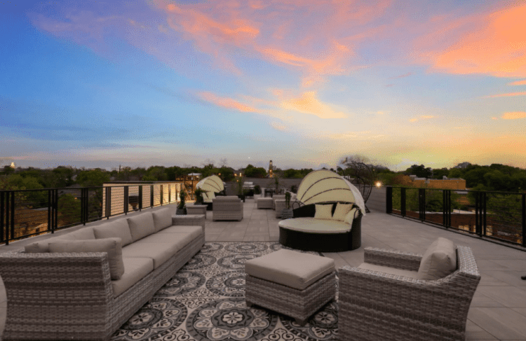 inn cahoots bachelorette party airbnb stay