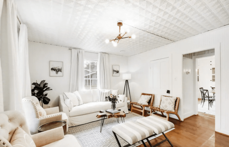 airbnb in Fredericksburg for groups