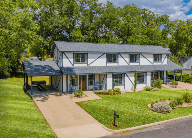 Where to Stay for a Girls Weekend in Fredericksburg - Doppelhaus