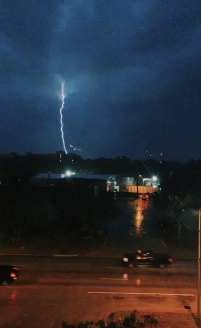 Lightning photos on iPhone - time lapse screenshot