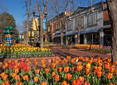Pearl Street Mall, a shopping center minutes away from campus.