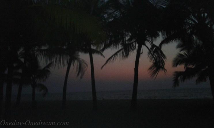 marari-beach-sunset