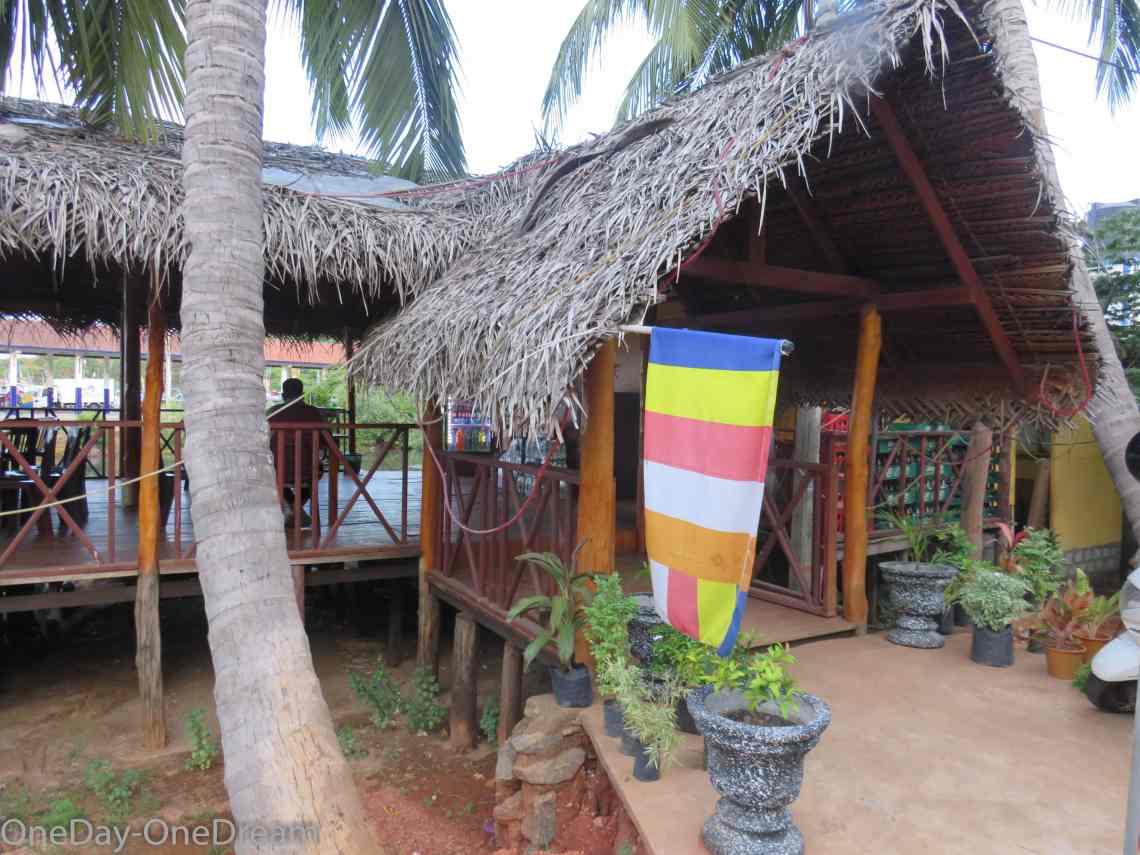 sri-lanka-restaurant-kingfisher-trincomalee