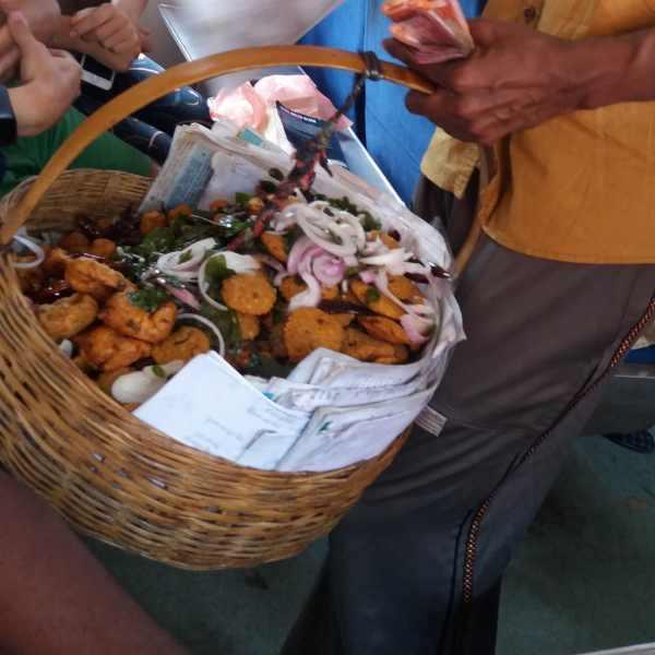 sri-lanka-train-food
