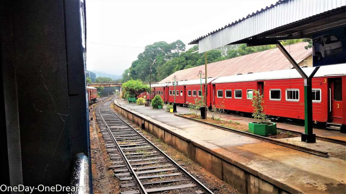 sri-lanka-train-railway