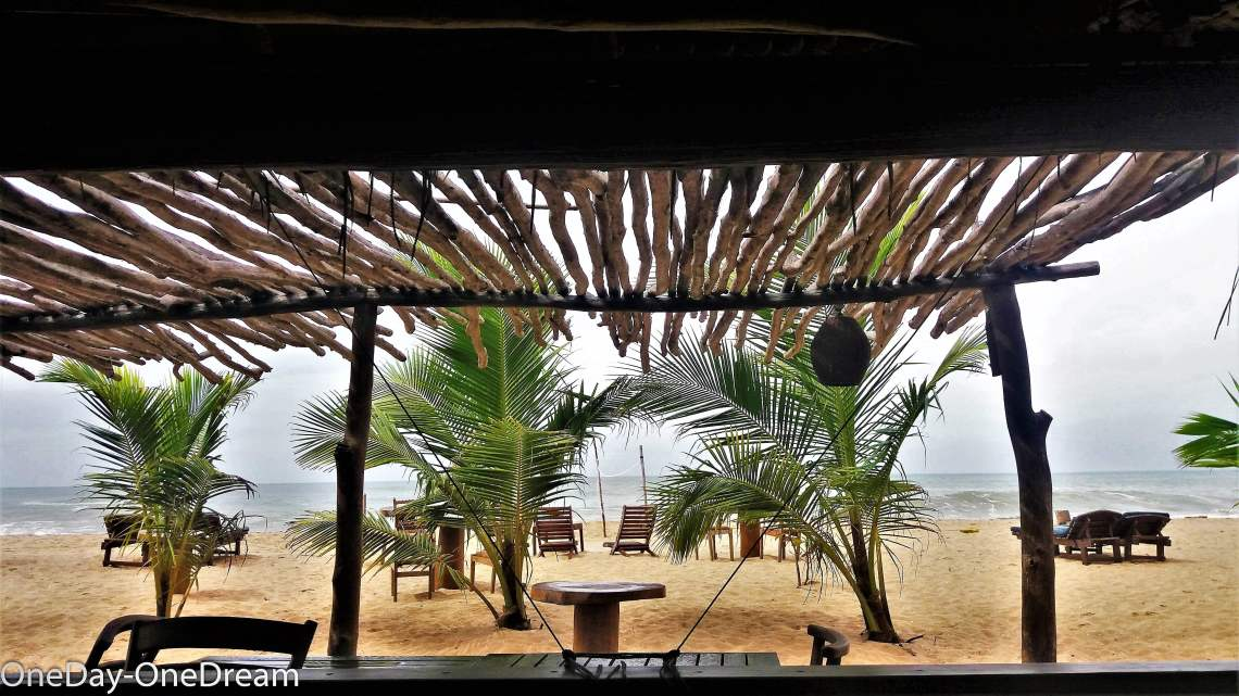 shiva's-beach-cabanas-restaurant-beach