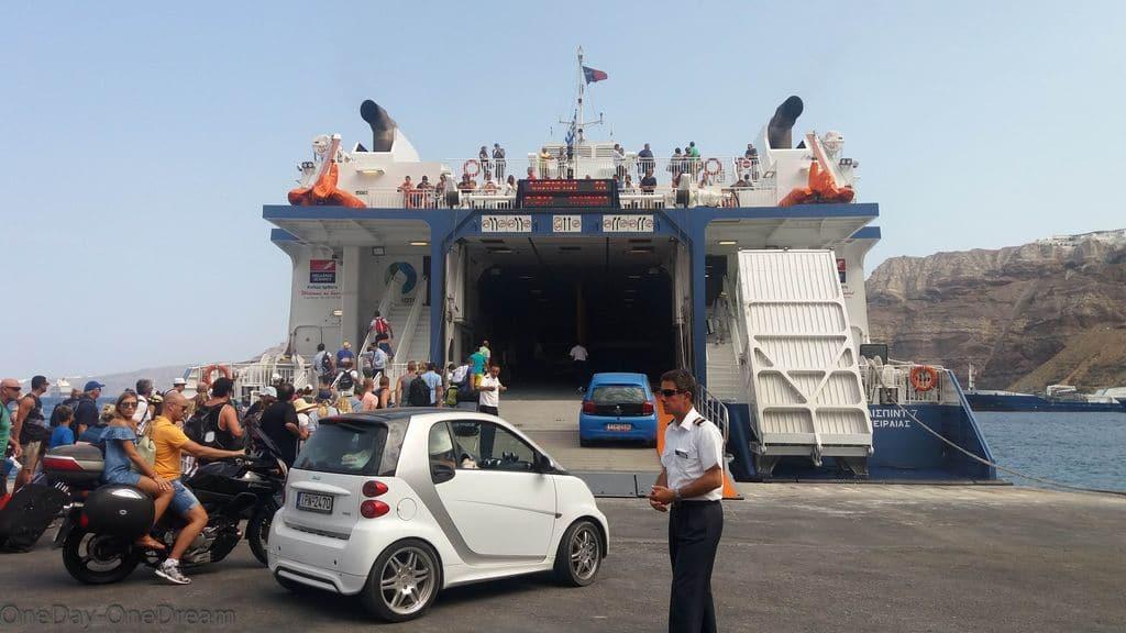 Ferry Santorin