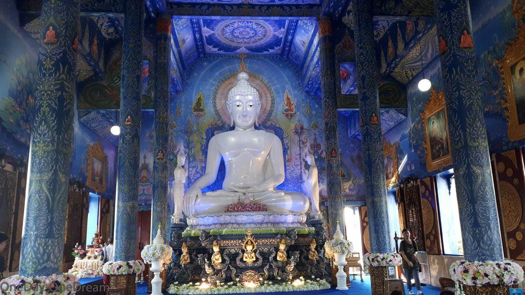 blue-temple-thailand