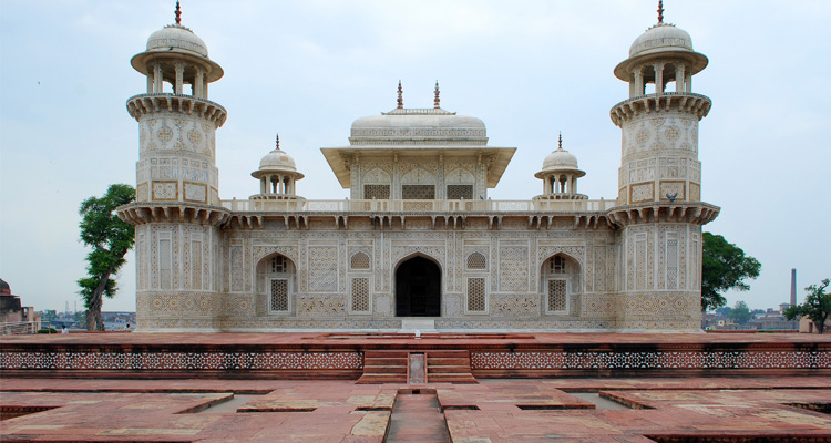 One Day Agra and Fatehpur Sikri Sightseeing Trip by Car Itimad-Ud-Daulah