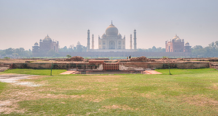 One Day Agra Local Sightseeing Trip by Car Mehtab Bagh