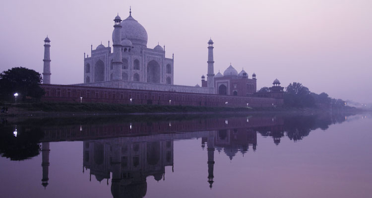 Package Glimpse One Day Agra Local Sightseeing Trip by Car