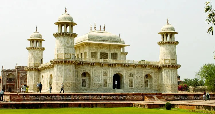 One Day Agra, Mathura and Vrindavan Local Sightseeing Trip by Car Itimad-Ud-Daulah