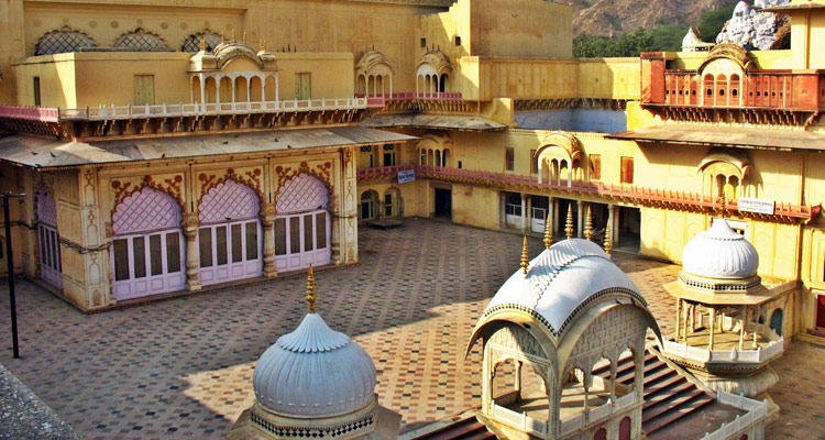 One Day Alwar Local Sightseeing Trip by Car Alwar City Palace