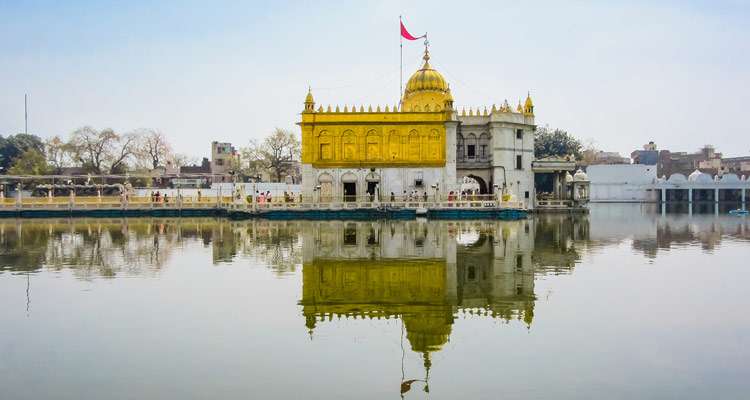One Day Amritsar Local Sightseeing Trip by Car Durgiana Temple