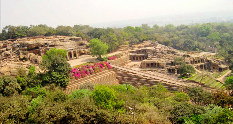One Day Bhubaneswar Local Sightseeing Trip by Car Khandagiri and Udayagiri Caves