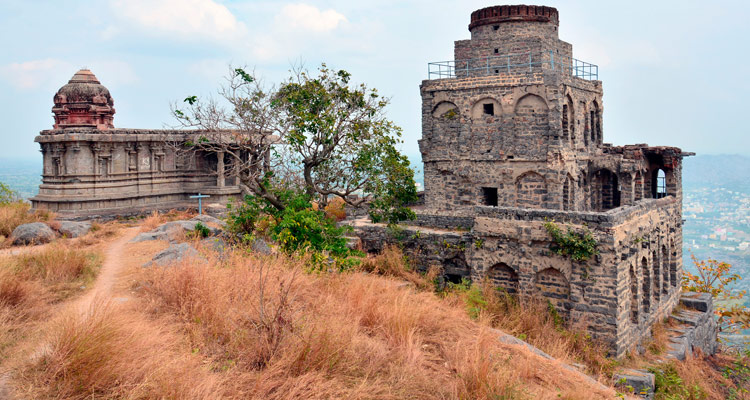 One Day Chennai Local Sightseeing Trip by Car Fort St. George