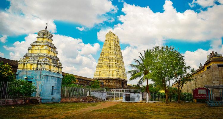 One Day Chennai to Kanchipuram Trip by Car Ekambareswarar Temple