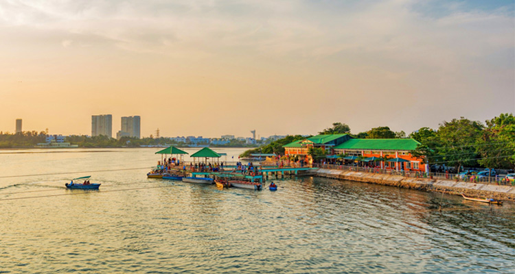 One Day Chennai to Mahabalipuram Trip by Car Muttukadu Boat House